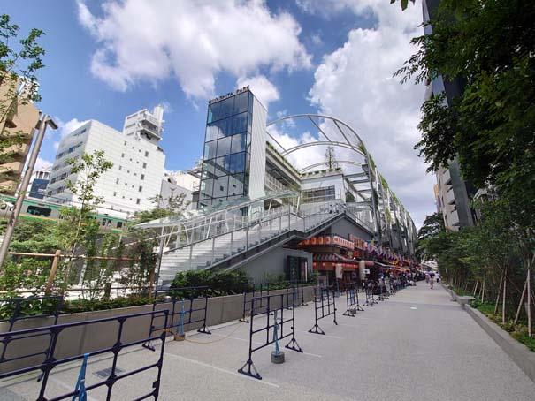 MIYASHITA-PARKの外観