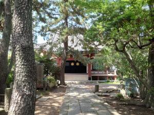 本光寺の境内