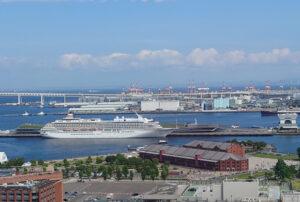 観覧車から見た大さん橋国際客船ターミナル